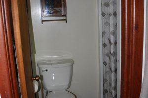 Cabin-2_Bathroom